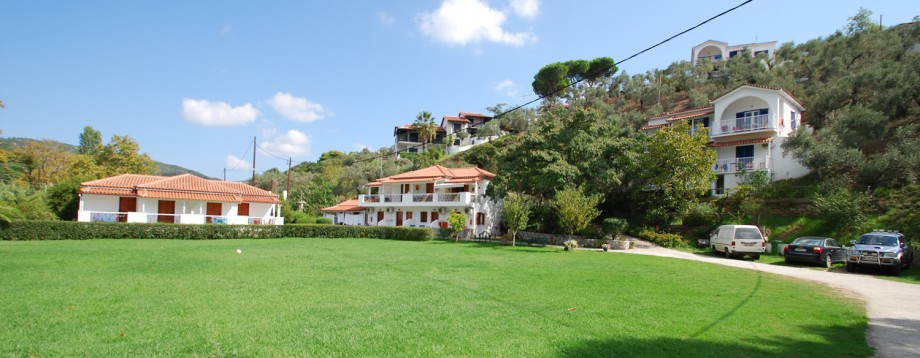 drosia apartments and studios in Agia Paraskevi skiathos